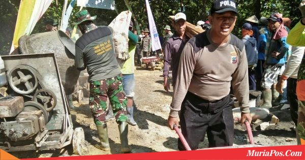 Pengerjaan Rabat Beton di Desa Godo, Bangkitkan Semangat Gotong Royong Warga Pati