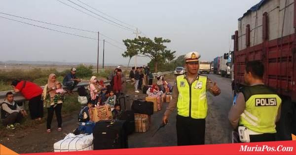 Laka Karambol di Jalur Pantura Rembang, Puluhan Pemudik Sempat Terlantar
